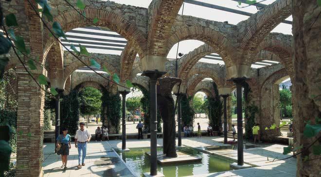 Parque del clot jardines en barcelona en espa a es cultura for Parques de barcelona para ninos