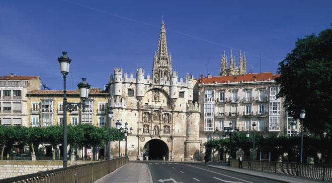 Arco de Santa María: monumentos en Burgos en España es cultura.