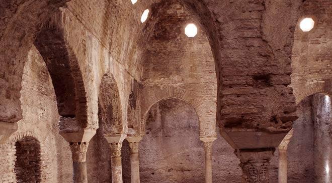 Baños Romanos Andalucia:El Bañuelo o Baños Árabes: monumentos en Granada en España es