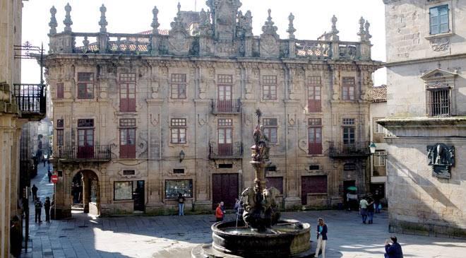 Casa do cabildo monumentos en santiago de compostela for Oficina correos santiago de compostela