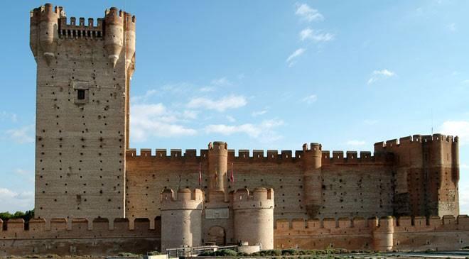 Castillo de la mota monumentos en medina del campo valladolid en espa a es cultura - Sofas medina del campo ...