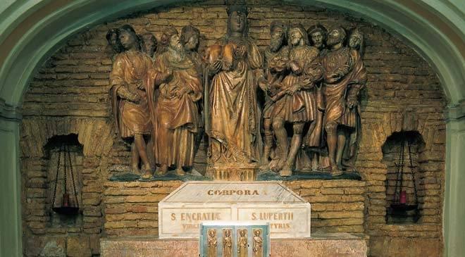 Iglesia de santa engracia monumentos en zaragoza en for Oficina de madrid santa engracia