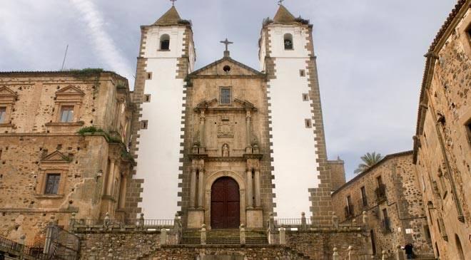 Monumentos de c ceres convento de la compania de jesus for Oficina de turismo de caceres