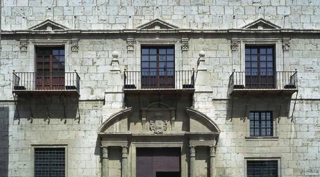Monumentos de teruel casa de la comunidad turismo cultural en arag n - La casa del cura teruel ...