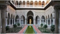 Patio del Real Alcázar de Sevilla © Turespaña