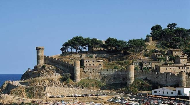Monumentos de gerona girona recinto amurallado tossa for Oficina de turismo tossa de mar