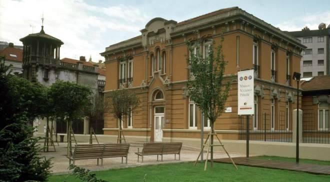Museo nicanor pi ole museos en gij n asturias en espa a for Oficina de correos gijon