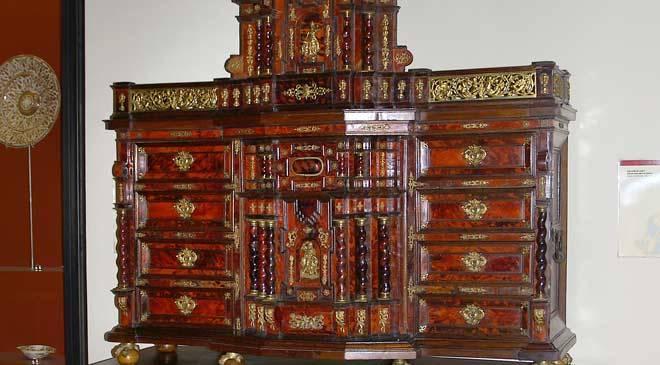 Bargue o museo nacional de cer mica y artes suntuarias for Muebles antiguos valencia