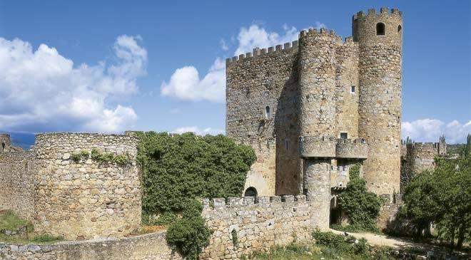 Castillos de la comunidad de madrid rutas culturales en for Piscina climatizada san martin de valdeiglesias
